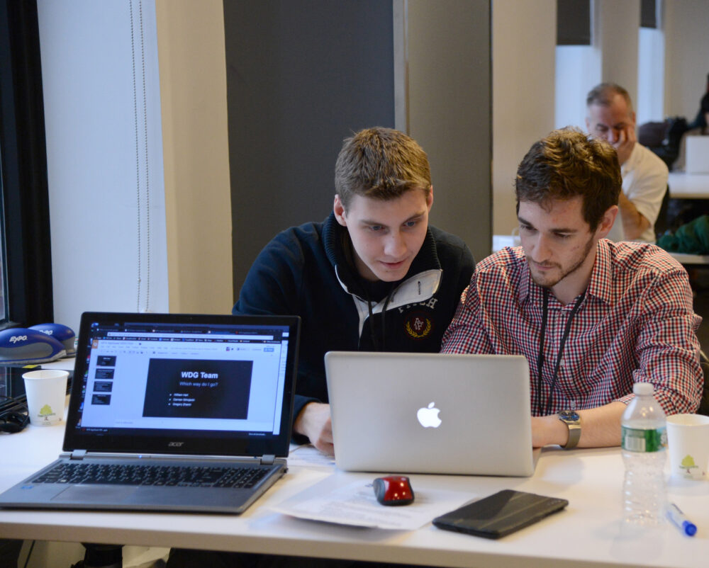 Check Out These Tips To Hire The Right App Developer For One's Company